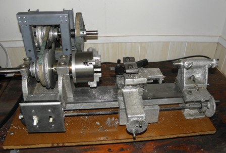 My Gingery Lathe. I have spent many hours making this lathe. I started the project in 2004. In about 2009 I had a pretty functional lathe.